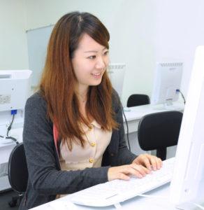 バーチャルオフィス(大阪・兵庫・神戸)のパソコン