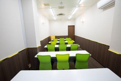 大阪 梅田の格安 貸し会議室はルミエ 大阪 梅田 貸し会議室のセミナー形式04