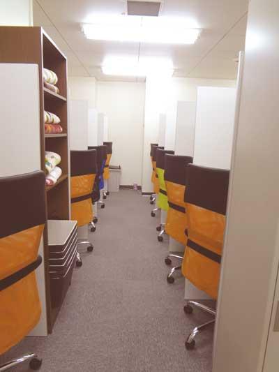 自習室 三宮、三宮2号店、ルミエ自習室のブース02