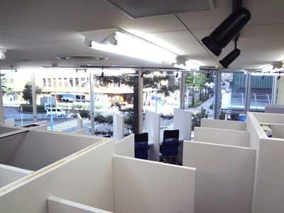 自習室 大阪、大阪梅田2号店のブース01