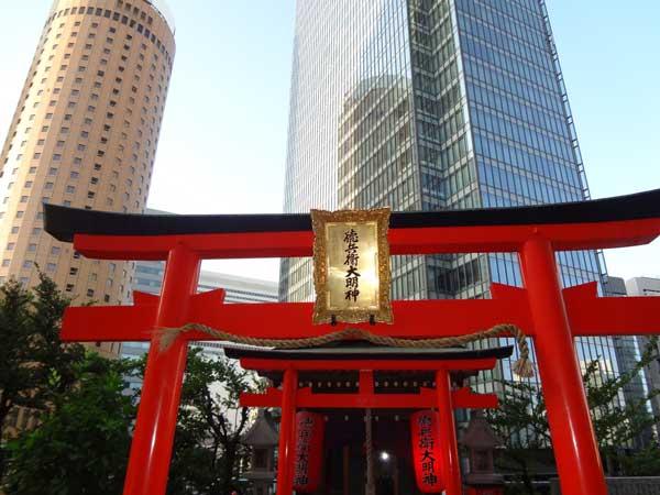 徳兵衛大明神 、梅田1号店・2号店/自習室の1階上の3階にある霊験あらたかな神社
