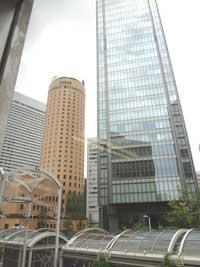 自習室 大阪、大阪梅田1号店からの北側に位置する大阪・梅田DTタワー