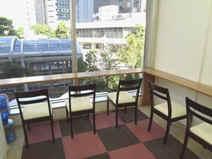 ルミエ自習室の食事場所では掃除が行き届いて清潔