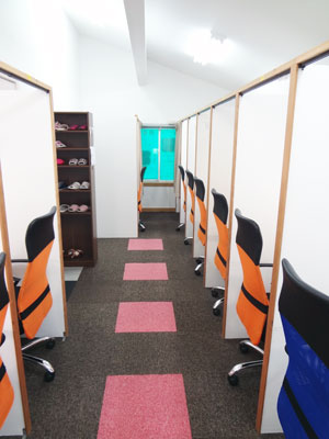 自習室 神戸、神戸1号店、ルミエ自習室のブース